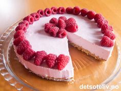 Pretty in pink! Mousse Cake, Pretty In Pink, Nom Nom, Cheesecake, Deserts, Baking, Sweet, Cakes, Food