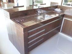 Open Kitchen And Living Room, Kitchen Room Design, Rustic Kitchen Design, Kitchen Cabinet Design, Interior Design Living Room, Kitchen Decor, Best Kitchen Sinks, Cool Kitchens, Kitchen Appliance Storage