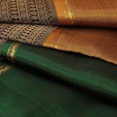 Discover thousands of images about Kanjivaram sarangi saree Indian Silk Sarees, Soft Silk Sarees, Sari Silk, Cotton Saree Designs, Saree Blouse Designs, Lehenga Designs, Trendy Sarees, Stylish Sarees, Kanchipuram Saree