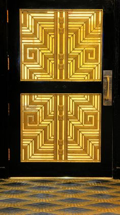 This door reminds me of the aesthetics of Inception's opening, right down to the colours. Know what I'm talking about?  Original description: Art Deco Door by Dave Mills