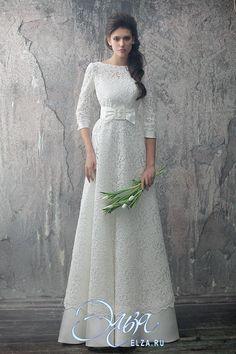 Cвадебное платье Сохо: а-силуэт, пуританский стиль, длинное платье, с вырезом под горлышко, с непышной юбкой, без шлейфа, модель до 2016 года, с рукавами три четверти, платье, эксклюзивное в Москве, в ограниченном количестве, подходит высоким, подходит для венчания, закрытое, с открытой спиной
