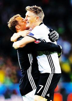 Friendship goal: Manu and Basti German National Team, European Championships, Goals, Friendship, Germany, Happiness, Mauritius, Bonheur, Deutsch