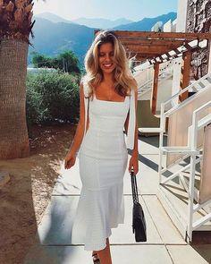 Trend Alert: Estampa de poá ou estampa de bolinha na moda feminina - White Sundress, White Dress Summer, Summer Dresses, Dress Black, Shift Dresses, Natasha Oakley, Cute Dresses, Beautiful Dresses, Casual Dresses