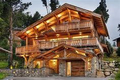cuisine chalet luxe montagne - Ecosia Our Planet, Trees To Plant, Cabin, House Styles, Building, Plants, Home Decor, Mountain, Kitchens