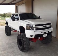 Change the wheels and tires and paint the plastics...this truck could look really nice!