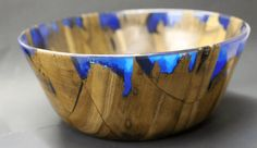 Artisan Peter Brown created a resin wood bowl inspired by secret wood rings. Better yet, his DIY shows us how, from start to finish. Wood Turned Bowls, Wood Bowls, Secret Wood Rings, Diy Shows, Brown Decor, Creative Arts And Crafts, Blue Color Schemes, Wood Resin, Craft Work