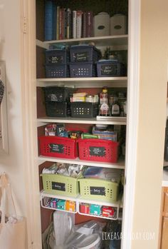 How to Organize a Small Pantry : Like a Saturday
