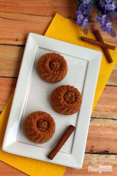 Versão linda e delicada em formato mini para degustar sozinho, sem precisar dividir com ninguém! Tenha um mini bolo churros inteirinho só para você...