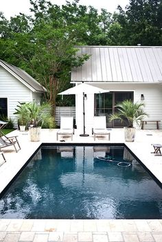 home inspiration: THE OUTDOOR TROPICS | bellaMUMMA