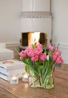 Tip for a stylish summer: Alvar Aalto was inspired by the waves when he designed his iconic vases in Scandinavian Interior Design, Nordic Design, Inside A House, Alvar Aalto, Pink Tulips, Vases, Home Deco, Decoration, Planting Flowers