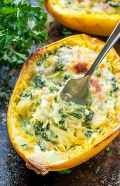 Cheesy Garlic Parmesan Spinach Spaghetti Squash- Aiming to eat more veggies? This Cheesy Garlic Parmesan Spinach Spaghetti Squash recipe packs an entire package of spinach swirled with an easy cheesy cream sauce. Vegetable Dishes, Vegetable Recipes, Veggie Meals, Keto Veggie Recipes, Chicken Recipes, Cooked Spinach Recipes, Squash Vegetable, Lunch Meals, Veggie Side