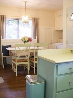 Painted Cabinets, White Table Cute Shabby chic kitchen! Love the vintage green! :)