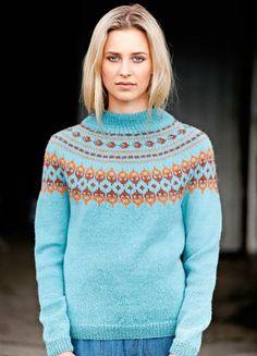 Kaarrokeneule naiselle ihanasta alpakkalangasta – katso ohje! - Kotiliesi.fi Crochet Skirts, Knit Crochet, Warm Sweaters, Sweaters For Women, Norwegian Knitting, Knit Art, Sweater Design, Knit Fashion, Ikon
