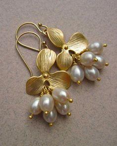 Freshwater Pearl Earrings with Gold Flower, June Birthstone Jewelry, Bridal Earrings Bridal Earrings, Crystal Earrings, Gold Earrings, Wedding Jewelry, Indian Earrings Gold, Pearl Necklace Wedding, Jewelry Design Earrings, Jewelry Logo, Onyx Necklace