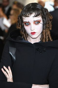 See the best hair and make-up from the Met Gala 2017 red carpet in full, close-up detail, from Cara Delevingne and Alexa Chung to Rihanna and Katy Perry Punk Makeup, Makeup Art, Beauty Makeup, Eye Makeup, Hair Makeup, Makeup Inspo, Makeup Inspiration, Piskel Art, Alternative Makeup