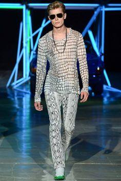 http://www.style.com/slideshows/fashion-shows/spring-2015-menswear/roberto-cavalli/collection/29