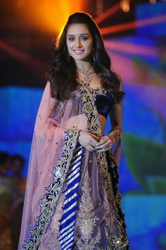 Shraddha Kapoor in Beautiful Lehnga Choli Dress - Latest HD Photos Indian Celebrities, Bollywood Celebrities, Bollywood Fashion, Bollywood Stars, Beautiful Celebrities, Beautiful Bollywood Actress, Most Beautiful Indian Actress, Shraddha Kapoor Cute, Shraddha Kapoor Lehenga
