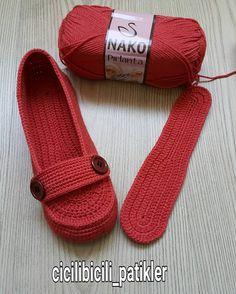 Image Article – Page 311522499216539250 Crochet Boots, Crochet Baby Booties, Crochet Slippers, Knit Crochet, Cheap Flip Flops, Knitting Patterns, Crochet Patterns, Shoe Pattern, Womens Slippers