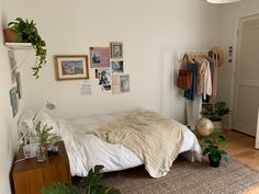 Room Design Bedroom, Room Ideas Bedroom, Bedroom Decor, Pretty Room, Aesthetic Room Decor, Cozy Room, Dream Rooms, My New Room, Room Inspiration