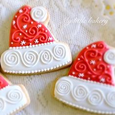 'Santa Hats' Christmas Cookies decorated by Nadia of My Little Bakery. Tutorials on youtube