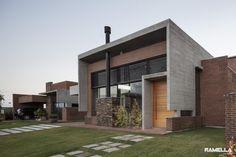 Casa Hoff / Ramella Arquitetura