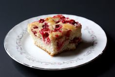 Crunchy Creamy Sweet: Mom's Berry Easy Coffee Cake