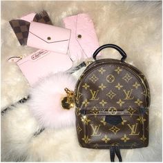 Womens Fashion New LV Collection For Louis Vuitton . - Womens Fashion New LV Collection For Louis Vuitton Handbags You are in th - Cheap Handbags, Handbags Michael Kors, Tote Handbags, Purses And Handbags, Popular Handbags, Spring Handbags, Gucci Handbags, Luxury Bags, Luxury Handbags
