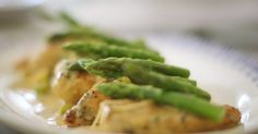 """Mary Berry Chicken with lemon and asparagus r ecipe Mary Berry served up a tasty chicken with asparagus and lemon crème fraîche sauce on Mary Berry's Absolute Favourites. Mary says: """"This dish is easy to prepare ahead so perfect for a di… Mary Berry Lemon Chicken, Lemon Chicken With Asparagus, Asparagus Recipe, Asparagus Spears, Marry Berry Recipes, Yummy Recipes, Mary Berry's Absolute Favourites, Creme Fraiche Sauce, One Dish Dinners"""