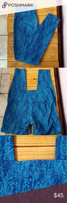 S PATAGONIA CENTERED TIGHTS *forestland epic blue yoga pants *size small *nylon/spandex blend *soft, stretchy, self-wicking & form-fitting  *small pocket on the inside of waistband *euc only worn a handful of times *comes from a Smoke-FREE & Pet-FREE home Patagonia Pants Leggings