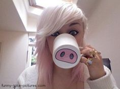 Blonde Pig Mug Funny Joke Picture