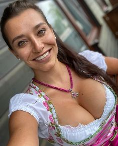 Beautiful Women Over 50, Beautiful Smile, Amazing Women, German Costume, German Girls, Beer Girl, Brunette Girl, Summer Dresses For Women, Ta Tas