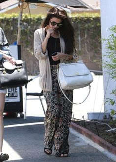 Selena Gomez, LIVING FOR EVERYTHING SHE'S WEARING!!