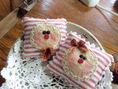 Primitive mini pillow tucks bowl fillers by primpennystitches, $9.99