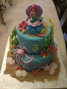 Little Mermaid cake from the QUEEN BEES