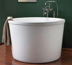 10 Luxurious Soaking Tubs