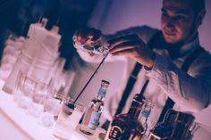 Inauguración de la MBFWM en ABC Serrano. Barman. Cocktail.