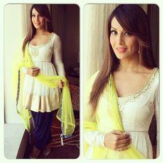 Bipasha Basu wearing Payal Singhal