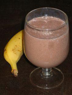 250 ml de leite gelado 1 banana pequena 1 colher de sopa de sementes Chia 1 colher de chá de cacau em pó  Juntar todo ingredientes no liqui...