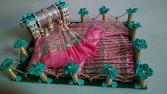 Indian Wedding Gifts, Indian Wedding Decorations, Diy Wedding, Elegant Wedding, Wedding Crafts, Wedding Gift Baskets, Wedding Gift Wrapping, Thali Decoration Ideas, Handmade Decorations