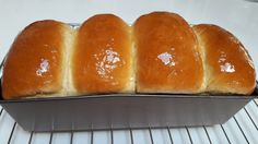 Soft & Fluffy Chinese Bread with Tangzhong method (handknead) Milk Bread Recipe, Yeast Bread Recipes, Baking Recipes, Fruit Tart Glaze, Fluffy Dinner Rolls, Pan Relleno, Savory Scones, Pumpkin Pudding, Sweet Dough