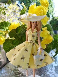 Silkstone Barbie Fashion Honey Bee Cause by ShhDollWorks - Sold on Etsy Beautiful Barbie Dolls, Vintage Barbie Dolls, Barbie Dress, Barbie Clothes, Manequin, Barbie Wardrobe, Stunning Summer, Real Doll, Yellow Fashion