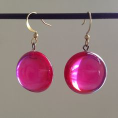 Vintage lucite bright transparent hot pink drop earrings