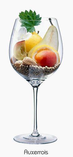 Auxerrois blanc or Auxerrois Blanc de Laquenexy (white) | Aromas of apple, white blossoms, pear, apricot, lemon, pear, almond, white pepper, nettle | Alsace, France