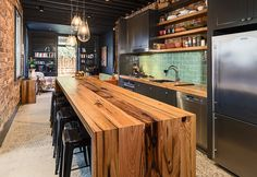 We supply custom new and recycled timber bench tops and bar tops for homes, bars and retail spaces throughout Australia. Wooden Benchtop Kitchen, Wooden Kitchen Bench, Timber Benchtop, Timber Kitchen, Kitchen Benchtops, Industrial Kitchen Design, Interior Design Kitchen, Kitchen Furniture, Grey Kitchens