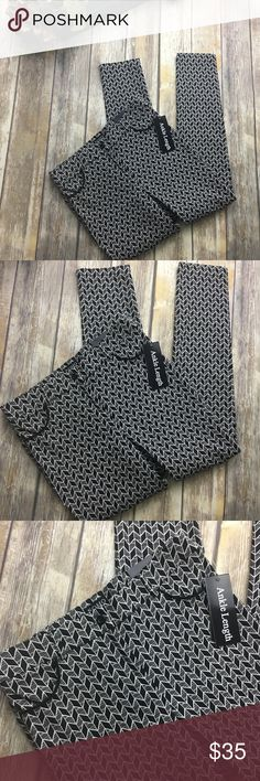 🎈 Soho Apparel Black and White Design Ankle Pants Black and white design ankle pants. Size 6. New with tags. 30 inch waist. 8 inch rise. 27 inches inseam. Has belt loops and 2 useable pockets Soho Apparel Pants Ankle & Cropped