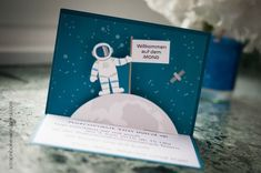 Astronaut - Party - Pop Up Card - Einladung - Invitation - Mond Astronaut Party, Outer Space Party, Party Pops, Interactive Cards, Star Party, Pop Up Cards, Birthday Party Invitations, Holiday Fun, Diy