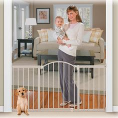 Summer infant metal baby gate that expands