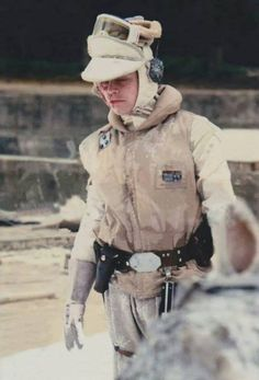 Luke Skywalker Hoth outfit with scars esb bts 01