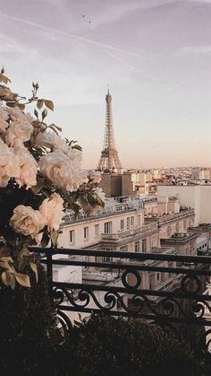 Paris Wallpaper, City Wallpaper, Wallpaper Desktop, Europe Wallpaper, Pastel Wallpaper, Disney Wallpaper, Wallpaper Backgrounds, Iphone Backgrounds, Wallpaper Quotes