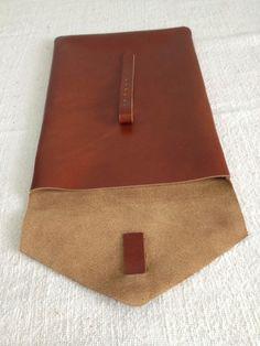 Bolso de cuero hecho a mano por LeatherandLoot en Etsy